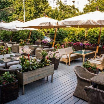 Выбираем мебель для летней веранды