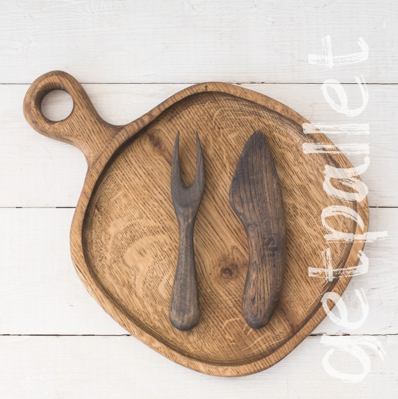 Набор из деревянной тарелки, вилки и ножа
